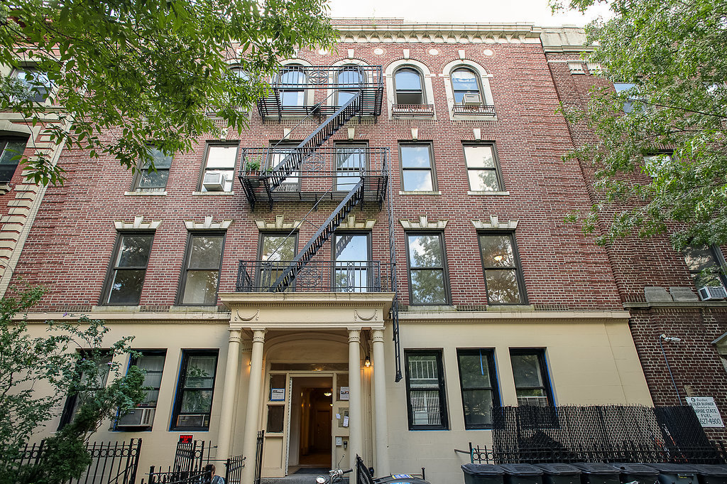 Streeteasy 372 saint john 39 s place in prospect heights for 10 grand army plaza 2nd floor brooklyn ny 11238