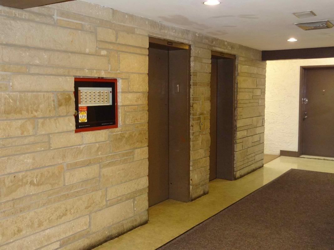 2 elmwood park drive in new springville staten island naked apartments. Black Bedroom Furniture Sets. Home Design Ideas