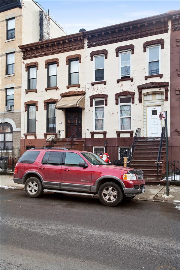 Townhouse | 440 Lexington Avenue, New York, NY 3