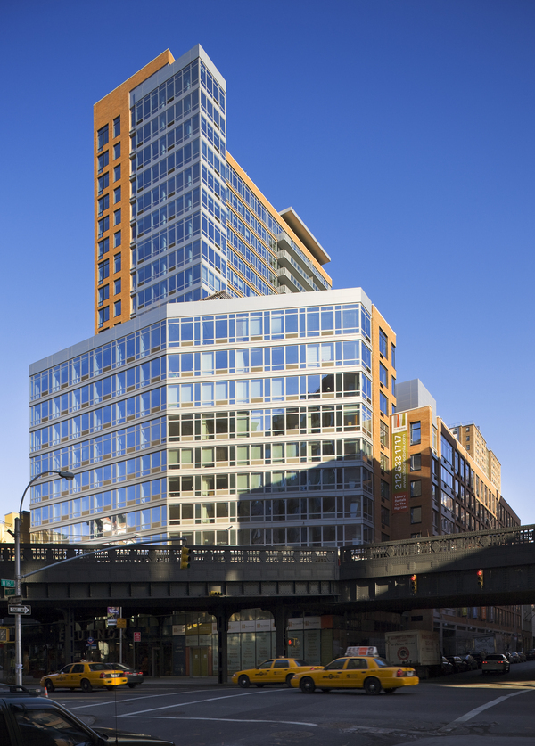 The Caledonia At 450 West 17th St In West Chelsea Sales