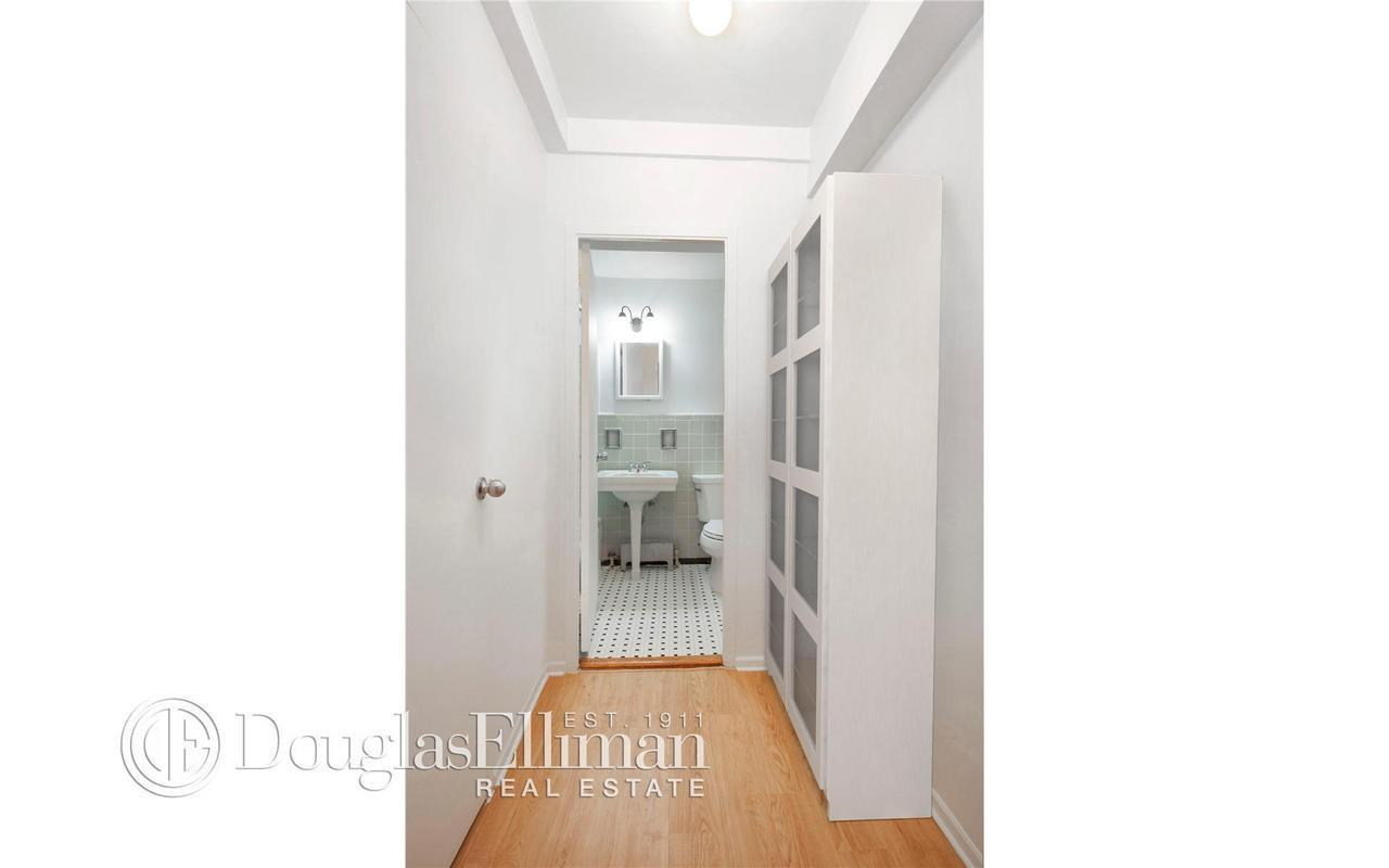 Apartment / Flat / Unit | 270 Jay Street #15B, New York, NY 4