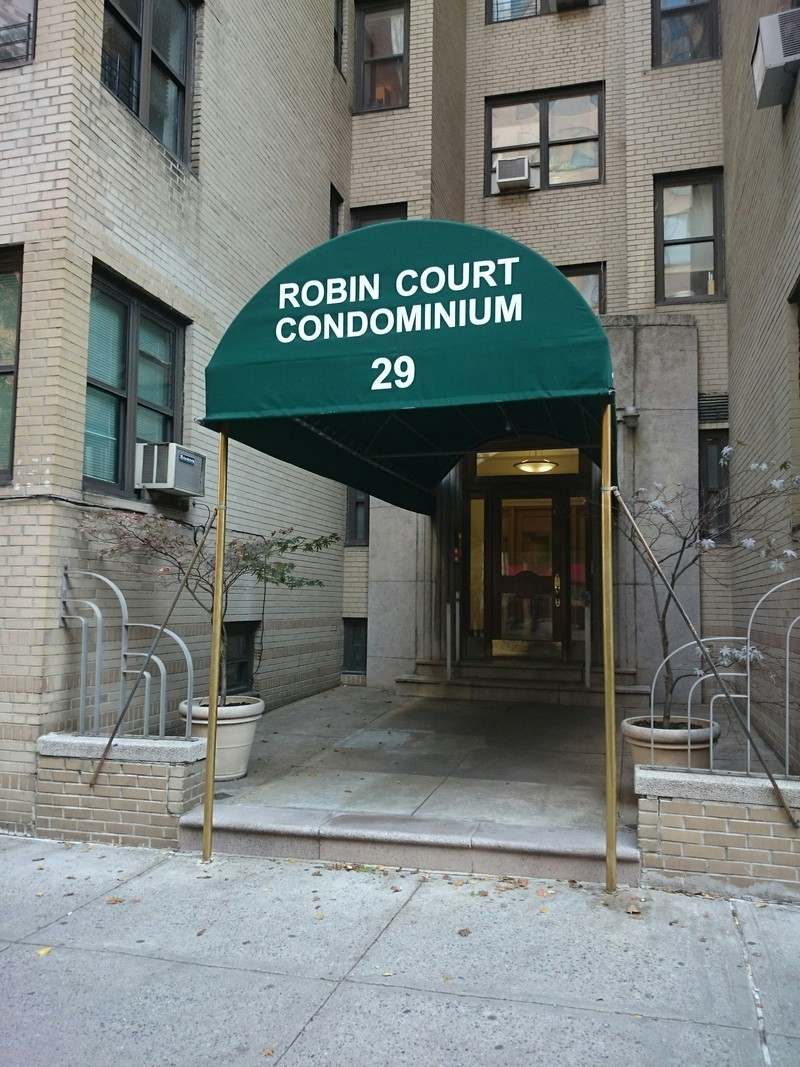 Robin Court At 29 West 65 Street In Upper West Side