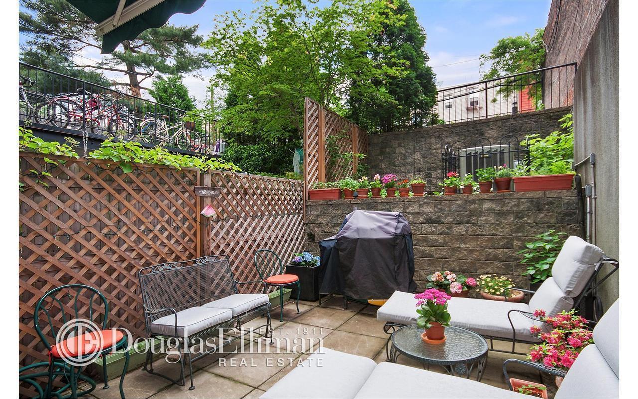 Apartment / Flat / Unit   82 Guernsey Street #1B, New York, NY 1