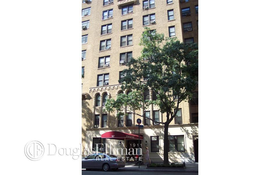 Streeteasy 107 west 86th street in upper west side 14h for Living room 86th street brooklyn ny