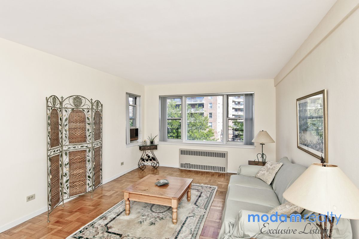 Streeteasy 3750 hudson manor terrace in riverdale 3he for 3750 hudson manor terrace