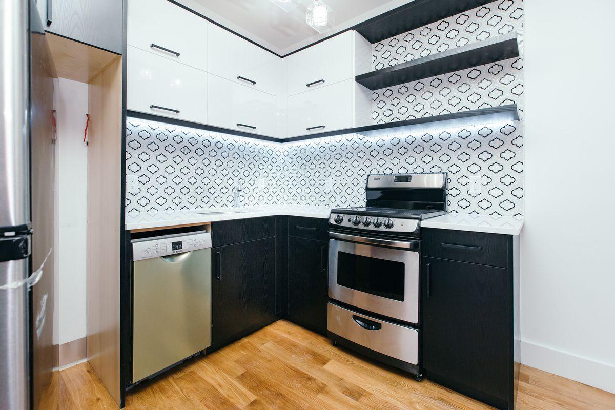 StreetEasy: 876 Bergen Street in Crown Heights, #8A - Sales, Rentals ...