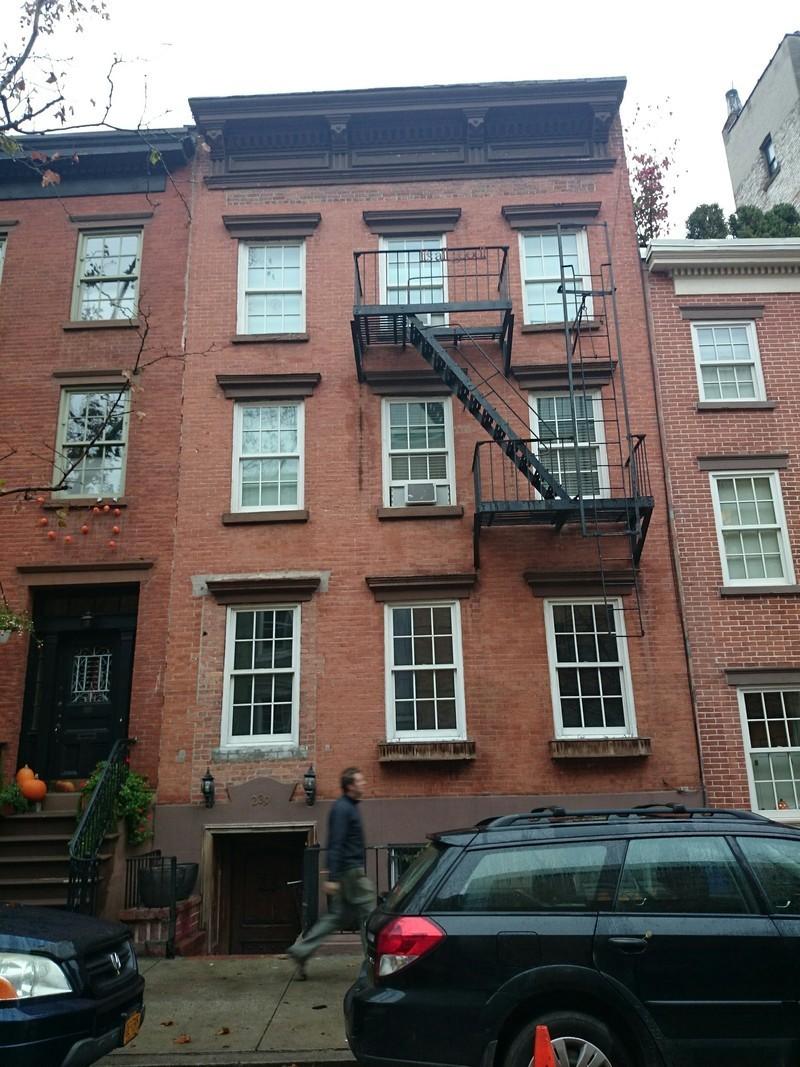 239 west 12 street in west village manhattan naked for Manhattan west village apartments