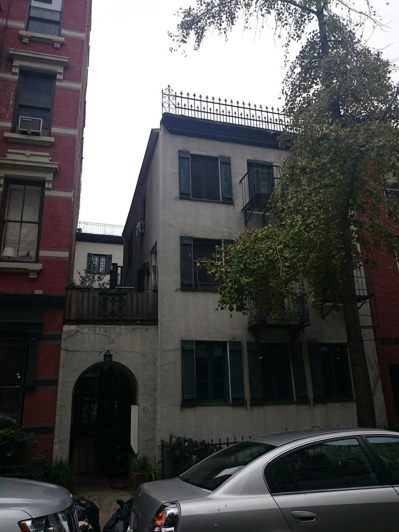 93 perry street in west village manhattan naked apartments for Manhattan west village apartments