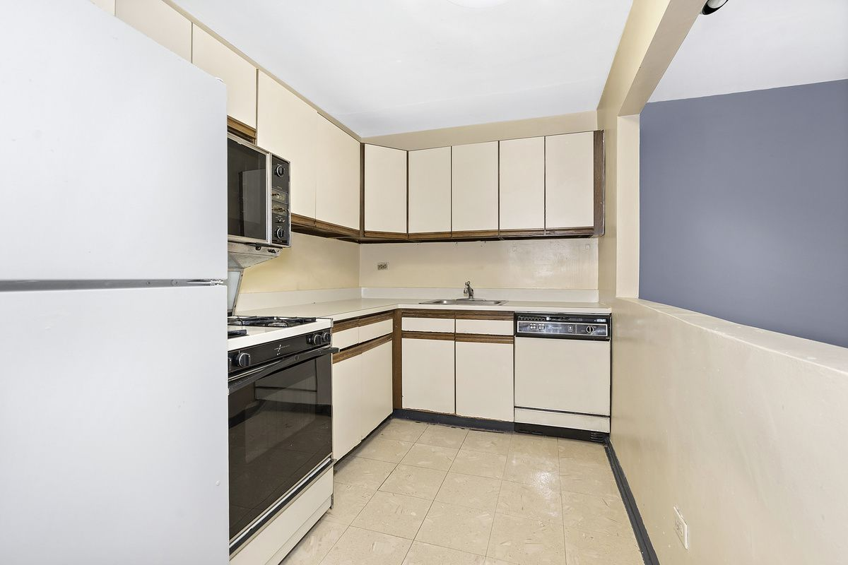 1165 East 54th Street #2T