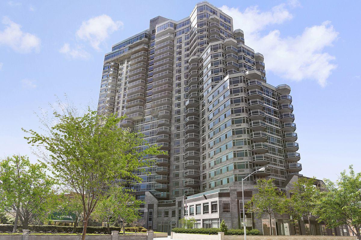 Streeteasy Pinnacle Condominium At 112 01 Queens