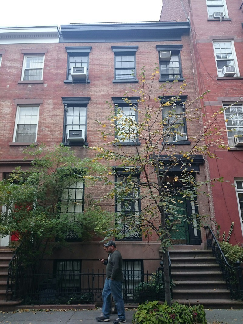 40 perry street in west village manhattan naked apartments for Manhattan west village apartments