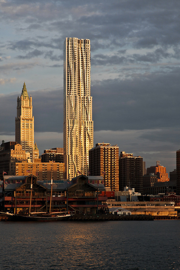 New York By Gehry At 8 Spruce St In Fulton Seaport