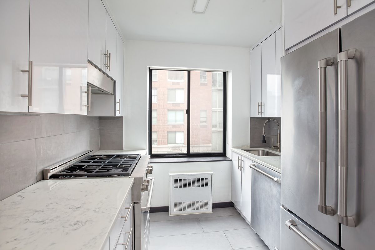 StreetEasy: Battery Pointe at 300 Rector Place in Battery Park City ...